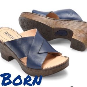 🆕 NWT Born Coney heeled sandals in navy